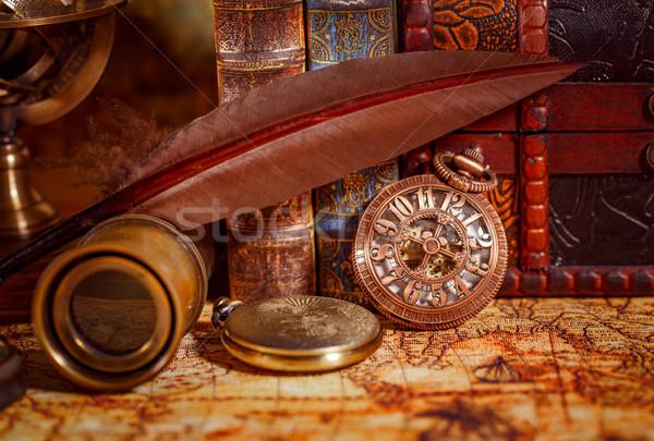 Vintage reloj de bolsillo antiguos edad libros libro Foto stock © cookelma