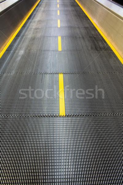 Repülőtér mozog járda város városi sebesség Stock fotó © cookelma