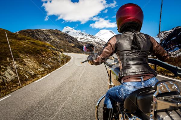 Stock fotó: Motoros · lány · kilátás · motorkerékpár · eső · nő