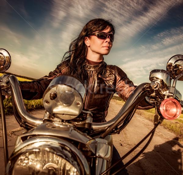 Dziewczyna posiedzenia motocykla okulary kobieta Zdjęcia stock © cookelma