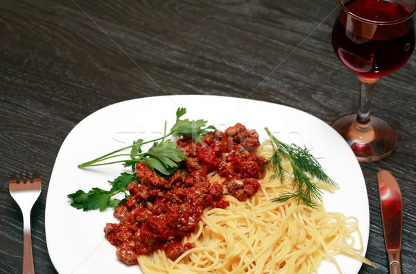 Espaguetis vino primer plano placa pasta vino tinto Foto stock © cosma