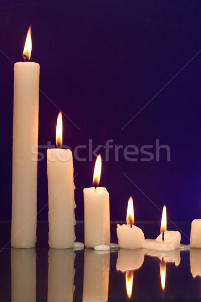 Gyertyák sötét szett világítás csetepaté szép Stock fotó © cosma