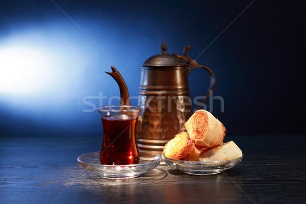 çay pasta fincan demlik karanlık Stok fotoğraf © cosma