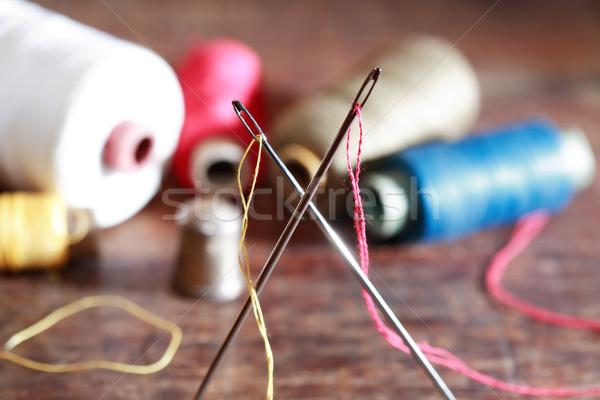Coser establecer madera dedal agujas hilo Foto stock © cosma
