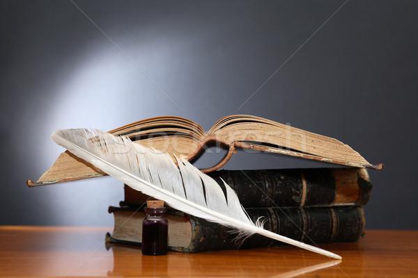 Irodalom csendélet toll könyv fa asztal fa Stock fotó © cosma