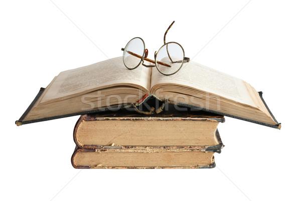 Edad libros gafas vintage aislado blanco Foto stock © cosma