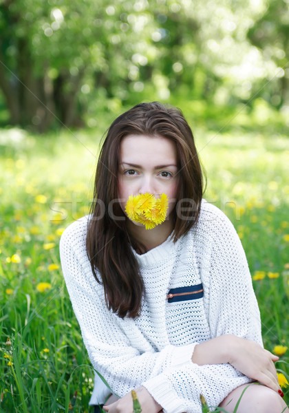 Menina leão beleza amarelo boca Foto stock © cosma