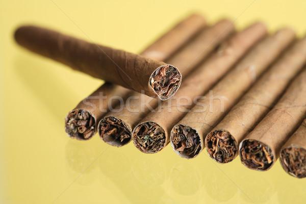 Cigares jaune rangée Photo stock © cosma