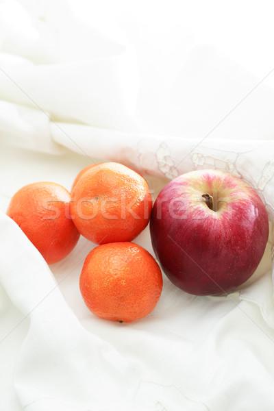 Gyümölcsök fehér ruha jóreggelt kevés piros alma Stock fotó © cosma