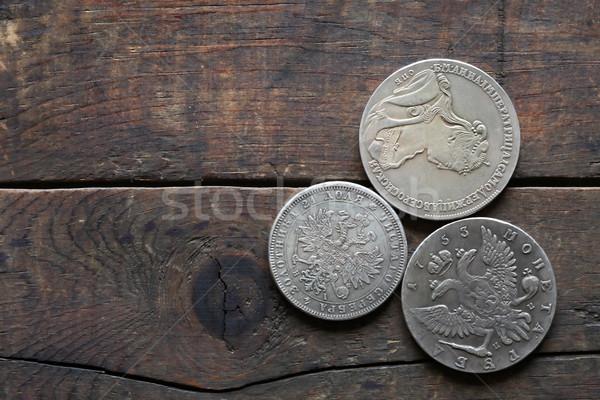 古代 ロシア 銀 コイン 3  木製 ストックフォト © cosma