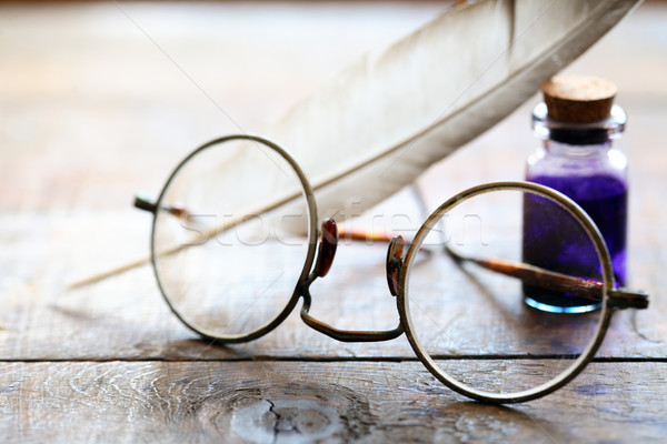 Gafas arte primer plano edad mesa de madera madera Foto stock © cosma