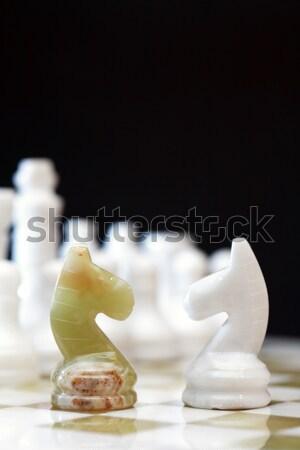 Foto stock: Vela · tabuleiro · de · xadrez · ganhar · iluminação · escuro · esportes