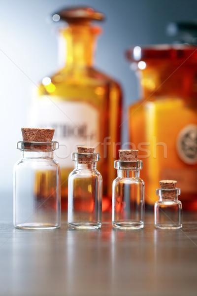 Oude farmaceutisch ingesteld glas achtergrond wetenschap Stockfoto © cosma