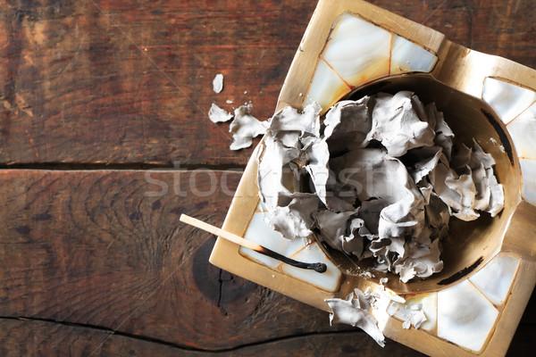 Kâğıt kül maç küllük yangın bağbozumu Stok fotoğraf © cosma
