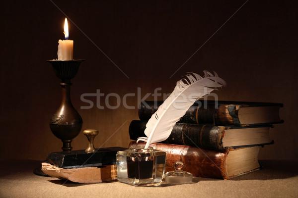 Foto stock: Velho · vintage · natureza · morta · iluminação · vela · livros