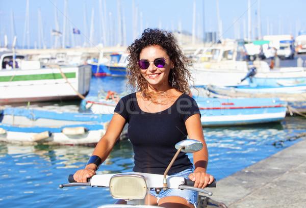 Młodych włoski kobieta uśmiechnięty niebo Zdjęcia stock © courtyardpix