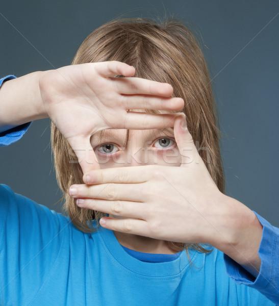 Patrząc palec ramki długo blond włosy Zdjęcia stock © courtyardpix