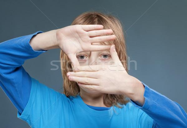 Néz ujj keret hosszú szőke haj Stock fotó © courtyardpix