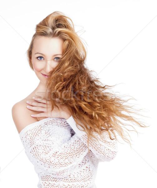 Retrato jovem bela mulher longo cabelo castanho isolado Foto stock © courtyardpix