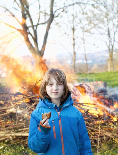 Portre erkek şenlik ateşi tost gıda Stok fotoğraf © courtyardpix