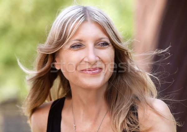 Retrato mulher loiro cabelo sorridente Foto stock © courtyardpix