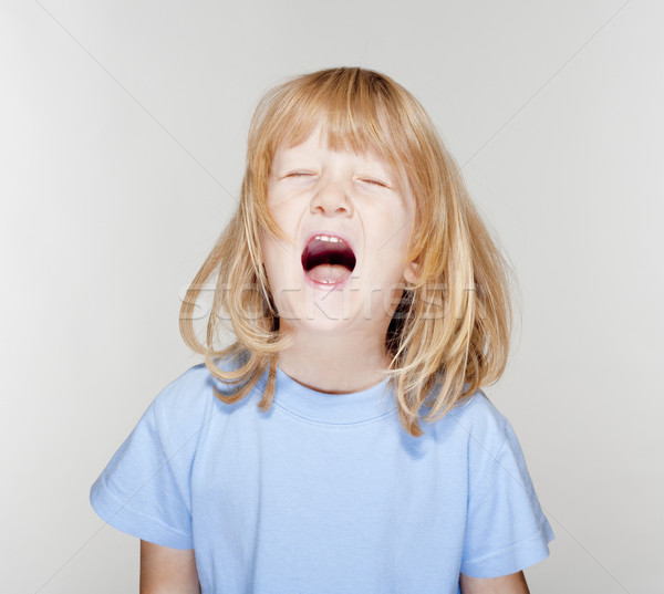 Jongen huilen portret lang blond haren Stockfoto © courtyardpix