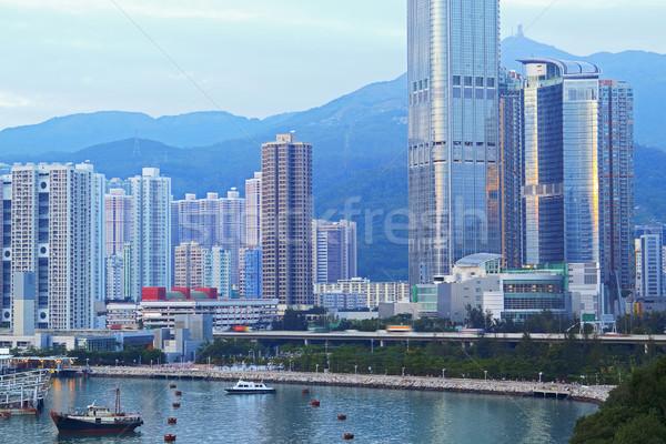 Városi nappal üzlet égbolt iroda víz Stock fotó © cozyta