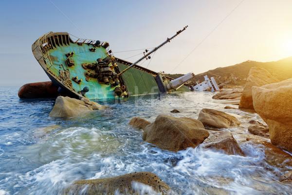 Gemi enkazı deniz manzarası gün batımı Hong Kong su doğa Stok fotoğraf © cozyta