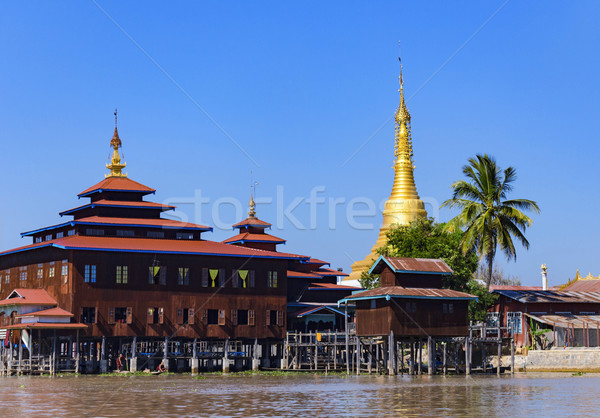Traditional wooden stilt houses at the Inle lake Stock photo © cozyta