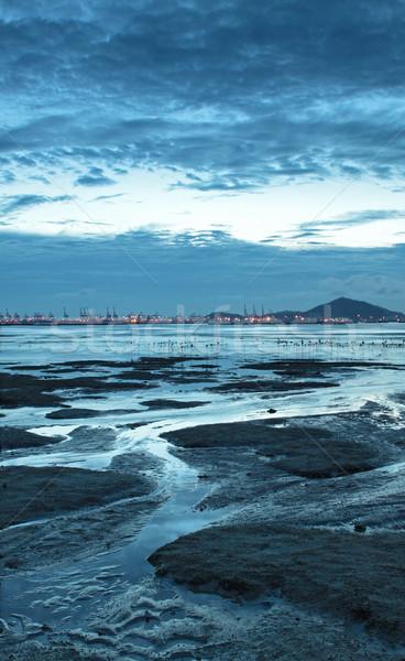 Naplemente Hongkong part alkonyat égbolt víz Stock fotó © cozyta