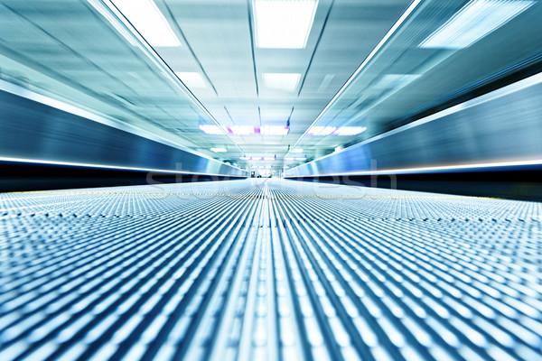 Simétrico movimiento azul escalera dentro contemporáneo Foto stock © cozyta