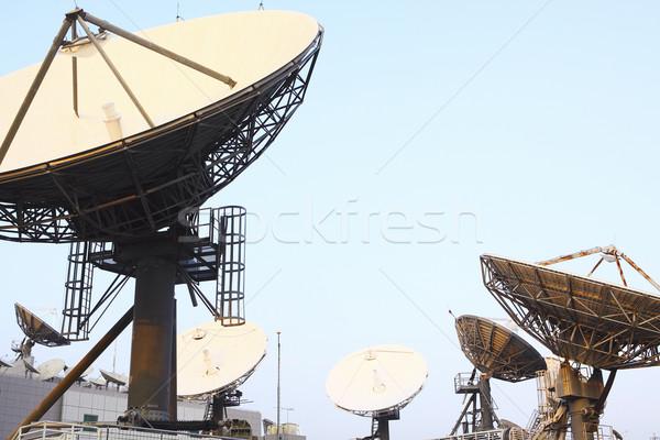 Műhold távközlés edények felső tv-csatorna internet Stock fotó © cozyta