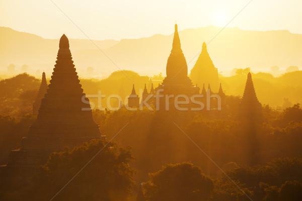 Templo dorado hora escénico vista antigua Foto stock © cozyta