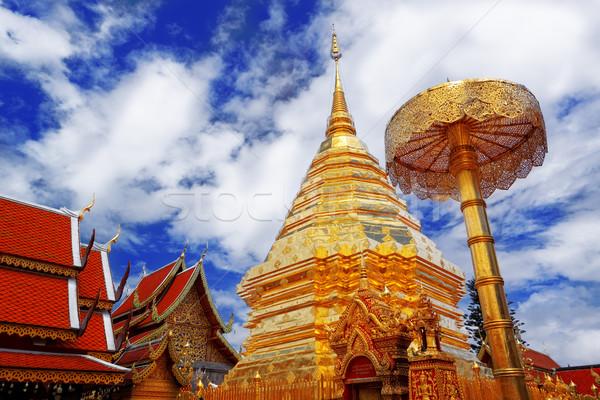 Turista uticél templom istentisztelet béke trópusi Stock fotó © cozyta