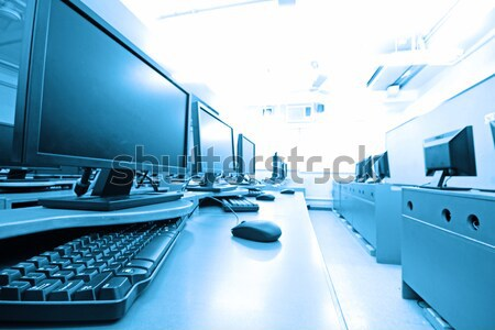 Travail chambre ordinateurs bureau internet Photo stock © cozyta