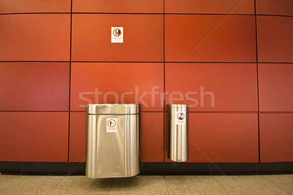 Hulladék tároló nyilvános kettő üzlet papír Stock fotó © cozyta