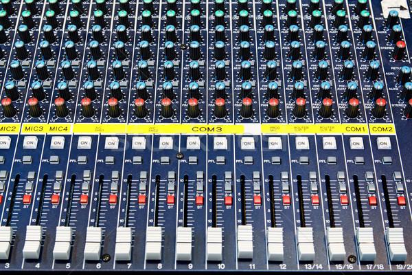Audio geluid mixer knoppen muziek bureau Stockfoto © cozyta