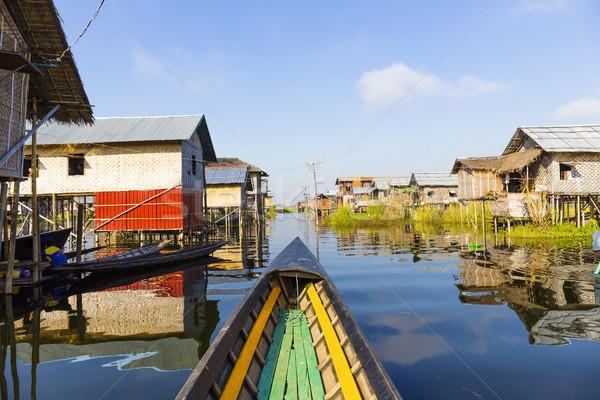 Tó Myanmar hagyományos lebeg falu víz Stock fotó © cozyta