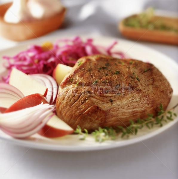 Yemek et kırmızı lahana elma plaka Stok fotoğraf © crisp