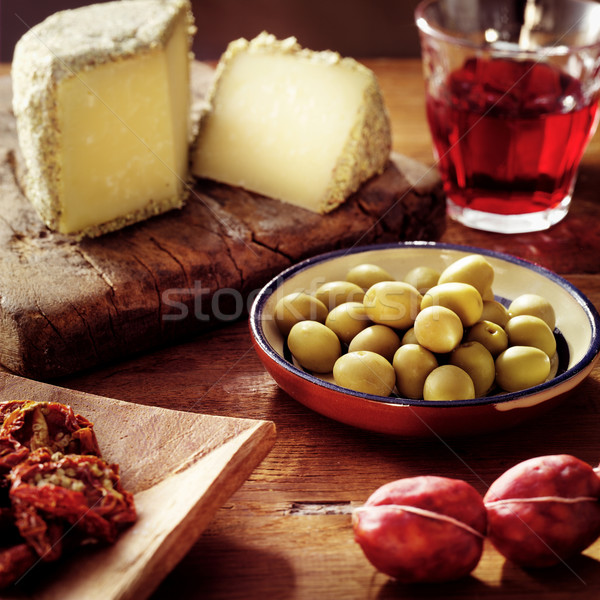 Nourriture italienne table italien rose feuille fromages Photo stock © crisp