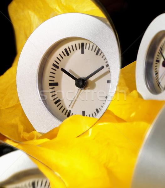 Relógio limpar simples papel amarelo Foto stock © crisp