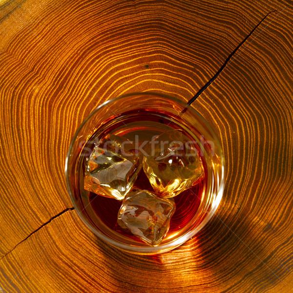 Viski kayalar ahşap cam küp atış Stok fotoğraf © crisp