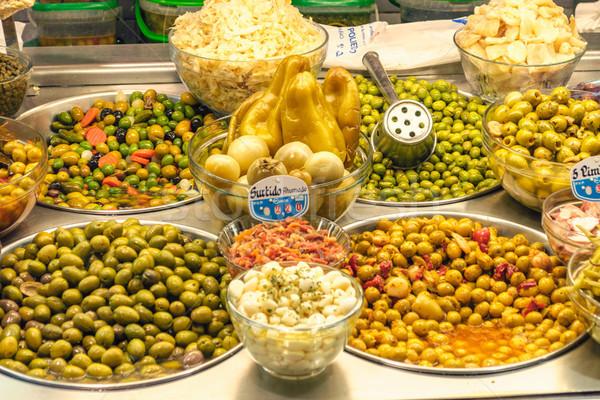 Olajbogyók piac paprikák központi Valencia Spanyolország Stock fotó © CsDeli