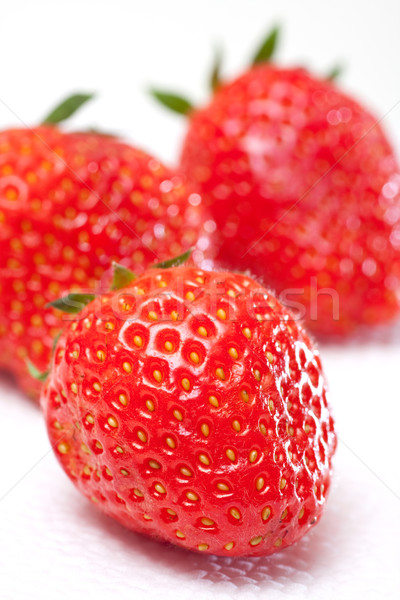 свежие продовольствие здоровья зеленый красный клубника Сток-фото © ctacik