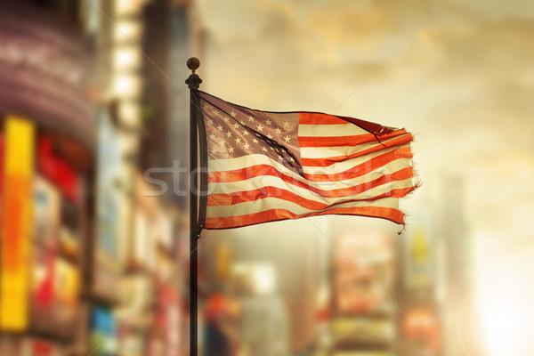 Vecchio gloria città bandiera americana vento Foto d'archivio © curaphotography