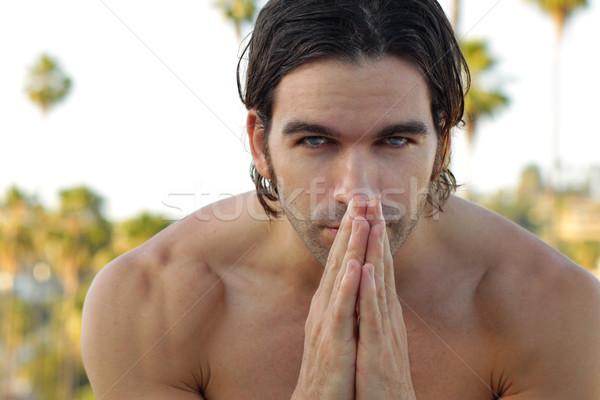 Uomo ascolto pensare ritratto a torso nudo esterna Foto d'archivio © curaphotography