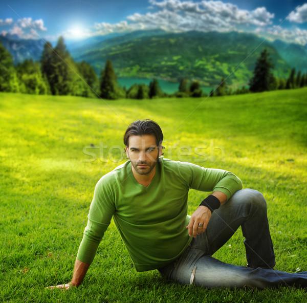 Uomo erba outdoor ritratto di bell'aspetto scenico Foto d'archivio © curaphotography