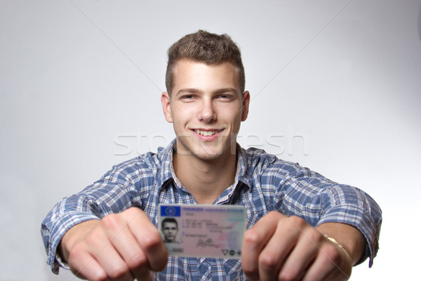 молодым человеком драйвера лицензия Сток-фото © Cursedsenses
