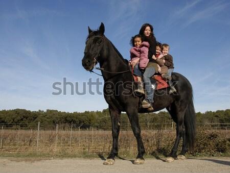 ライディング 家族 子供 母親 黒 種馬 ストックフォト © cynoclub