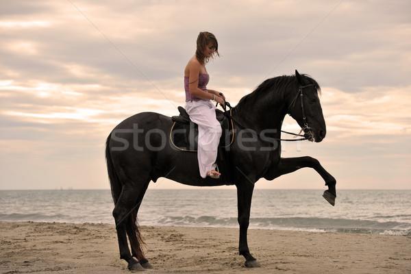 Menina cavalo praia belo preto garanhão Foto stock © cynoclub
